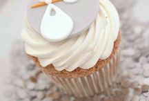 BABY SHOWER / Delicious cupcakes, themed decor, beautiful gifts and fantastically fun games.... Everything you need to host the perfect baby shower.