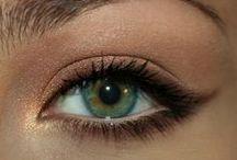 Green eyes / by Ricarda Fatone