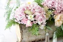 Floral Inspirations / From bouquets to centerpieces, your floral design can elevate your special to new heights. Here are some arrangements that we'e absolutely fallen in love with. Enjoy!