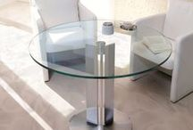 ► ROUND TABLES