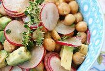 Salate in allen Variationen / Ob als leckere Beilage oder raffinierte Hauptspeise - hier könnt ihr tolle Salatrezepte entdecken. Wir wünschen guten Appetit!