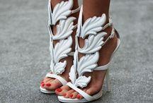 Schoenenliefde | Chaussures / De mooiste schoenen...