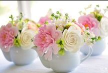 Flowers / A range of flower bouquets, baskets and arrangements
