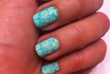 Floral Nail Art / Beautiful flowers on your nails / by Nail Art Para Principiantes