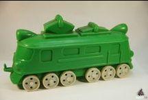 я ПОИСК паровоз / Поиск игрушек, детских книг и настольных игр СССР - http://doska-obyavleniy-detstva.blogspot.ru/ (паровоз, поезд, локомотив, зелёный, красные колёса)
