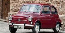 "Spain Automobile Manufacturer (Seat S.A, / セアト(SEAT S.A. )は WV Groupの傘下Sociedad Española de Automóviles de Turismo(スペイン乗用自動車会社)を現す。1999年に正式社名が""SEAT S.A.""となった。"
