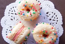 .macarons. / Devoted to one of my favorite indulgences....