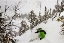 Skiing in Canada / Canada is undoubtedly one of the world's top ski holiday destinations. The excellent snow conditions, spacious pistes, perfectly groomed runs and superb powder are just a few of the many attractions that can be found skiing in Canada.