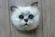 Needle felted brooches / Needlefelted brooches