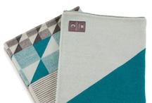 FUNKLE - Gullfuglen jacquard blanket - Dark grey & petrol blue