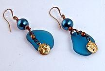 Jewelry designs - earrings / by Mishalyn Stone
