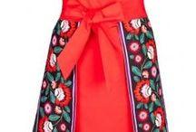 Apronessa - spódniczka / Apronessa (ang: apron - fartuszek; dress - sukienka) to nowy styl ubierania się nie tylko w kuchni przy gotowaniu, ale również podczas przyjmowania gości