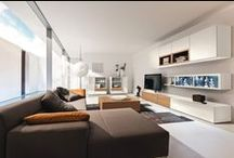 Cool living rooms / A library can be so cool and modern!