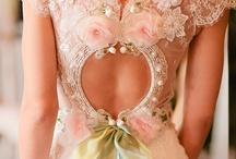 Back detail = Divine