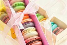• Macarons •