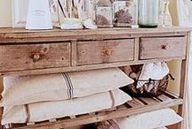 From the far land of Spare Oom / Office, guest, and craft room ideas / by Melissa Soto