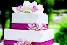 Weddings in Singapore / Look forward to exquisite linens, wedding cakes, elegant flower arrangements and wedding decorations for your special wedding day and delight your guests as much as they will you.