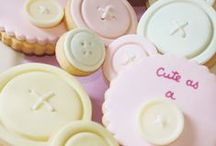 Baby Shower Button Theme / Cute as a Button Theme Baby Shower ideas! Cute as a Button Party cake ideas, Button dessert table, Button Party decorations and supplies, Invitations and Favors for a memorable Cute as a Button baby shower party, games, FREE party printables @ www.babyshowerideas4U.com