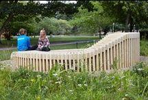 """Accoya® udendørs møbler / KU - Københavns Universitet har anvendt den modificerede træsort Accoya® til smukke udendørs møbler i deres nye vilde naturrum """"Vild Campus"""" - med indbygget lys og strømudtag."""