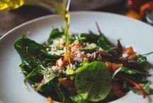 Bunter Salatmix / Egal ob Blattsalat, Nudelsalat oder ein fruchtiger Sommersalat. Salate sind vielfältig, lecker und einfach zubereitet. Lasst euch von unserem Board mit leckeren Rezepten inspirieren.