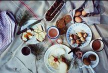 Das perfekte Picknick / Der Sommer lockt mit gutem Wetter und Essen unter freiem Himmel. Hier gibt es leckere Inspiration für deinen sommerlichen Picknickkorb.