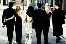 """Friends ♦ / """"Primer divorcio: sexualidad oculta de mi esposa, no fue mi culpa. Segundo divorcio: dije el nombre equivocado en el altar, ahí sí fue un poco mi culpa. Tercer divorcio: no deberían dejarte casar si estás así de borracho y con cosas dibujadas por todo el rostro. Culpa del Estado de Nevada."""" —Ross Geller."""