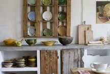 Fabulous Plate Racks: Kitchen / Antique, vintage and new kitchen plate racks that make the heart skip a beat. Cupboards and open shelves to display your stunning ironstone and transferware dish and platter collection with English country, farmhouse, cottage, shabby style. Wooden, painted, built in, wall mount.