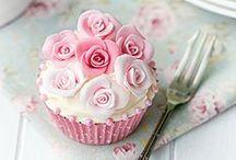 Cupcakes / by Elisabeth Lindgren