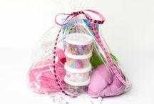 Gift Ideas / Homemade, frugal, lovely gift ideas and gift wrapping ideas for all your family and friends!