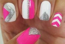 ♡ Nails ♡ / by Melissa Reich