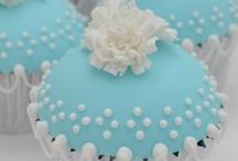 Wedding Cake & Favors / Wedding cake ideas and wedding favor ideas.