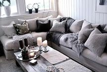 Couch Tater Place / Rustic Country Living Room