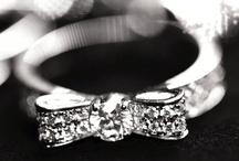 Glitz and Glamour / Fantasy closet and jewelry box / by Meia Scida