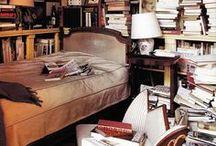 Räume - und ihre Bücher / Räume und ihre Bücher - in Wohnzimmer, Fluren, Schlafzimmern... Bibliotheken, Regale, Bücherschränke... Eine Sammlung aller Möglichkeiten. Von außergewöhnlich zu zeitlos - ein Sammelsurium. raumportrait.