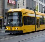 路面電車(主にドイツ)Straßen-u.Stadtbahnwagen, Trams Germany / ドイツの路面電車(StraßenbahnとStadtbahn)の車両について簡単な日本語解説を加えてみました。ベルリン、ハンブルク、ミュンヘン、ニュルンベルクの本物の地下鉄(U-Bahn)も広義ではStadtbahnですが、車両規格的に別物ですので扱っておりません。ヴッパータールのモノレールは現地では路面電車の仲間なので、ここでも扱っております。
