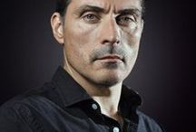 rufus sewell / Never thought I'd have a very real fancy for the funny guy in Amazing Grace, yet here we are.