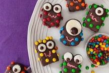 Halloween Eats and Treats / A collection of ideas for making ghoulishly delightful treats and sweets.