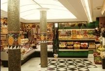 Crokis Proyectos - Reformas  de Comercios / Aquí aparecen algunas fotografías de algunos trabajos realizados para Reformar comercios de índole variada. En este caso se trata de una tienda de alimentación con Sección especializada de Frutas y verduras.