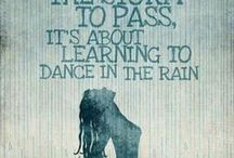 Love your wedding in the rain / Sign of new beginnings, awaken your senses, dancing in the rain, colourful fun and rainbows.
