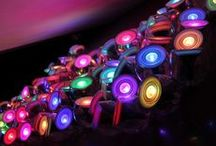 LED Solutions / Wij hebben een passie voor LED verlichting. Onze roots liggen bij de gloeilamp en LED is voor ons het ultieme voorbeeld van een reis door de tijd van innovatie. Zie binnen dit board o.a. hoe LED-verlichting kantoren verbetert, buitenruimten verfraait en energiezuinige oplossingen biedt voor winkels en hotels. LED producten tips, vernieuwende methodes, van concepten tot gerealiseerde projecten.