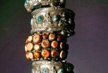 jaw dropping exotic jewelery