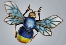 Animals: BEES #4--Jewelry & Buttons / Bee Board 4 of 10 / by Suzanne V Morgan