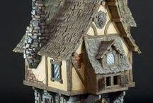 dal web - casette e villaggi tipici / immagini di manufatti ispirati a case alsaziane, villaggi medievali e più in generale case e facciate tipiche in feltro.