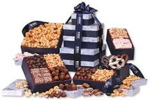 For Chocolate Lovers / The tastiest gift baskets and towers for those who love chocolate!