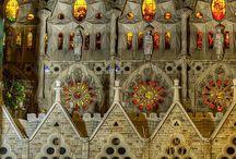 La Sagrada Familia, Barcelona / El arquitecto Antonio Gaudí sabía muy bien que estaba haciendo: una obra clásica de gran importancia dentro de la historia del modernismo. Una muestra excelente de que la imaginación no tiene límites.