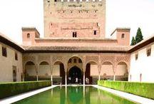 Alhambra / La Alhambra es el símbolo de Granada, y representa como nada el esplendor de una ciudad que ha sido siempre un increíble crisol de culturas.