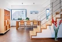 Treppen / Schöne Treppen bestimmen den Charakter eines Hauses. Schwörer Treppen sind massiv, formschön und von höchster Qualität. Im Zusammenspiel mit wertvollen Bodenbelägen und Innentüren prägen sie den persönlichen Wohnstil.