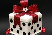 Gift / Hat / Jewellery box cakes
