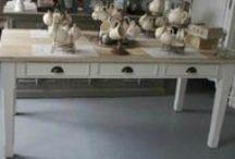 Tafels / Tables / Tafels, onze eigen meubellijn, verschillende stijlen en modellen Tables, our own furniture line, different styles and models