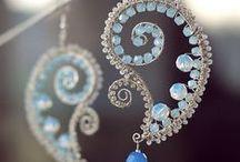 Korálky, drátek, šperky